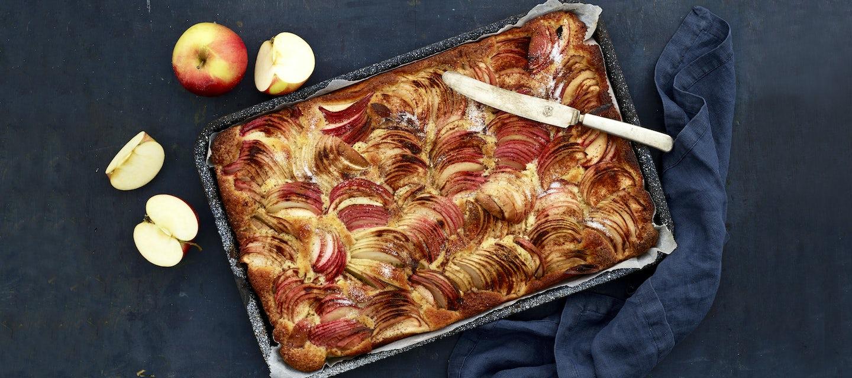 Omenapiirakka Pellille