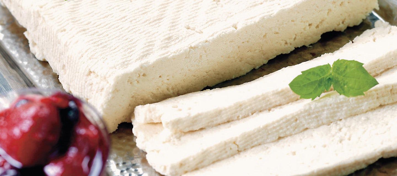 Munajuusto ja marjahilloke