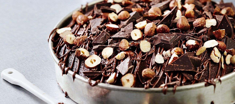 Suklaa-hasselpähkinäpiirakka