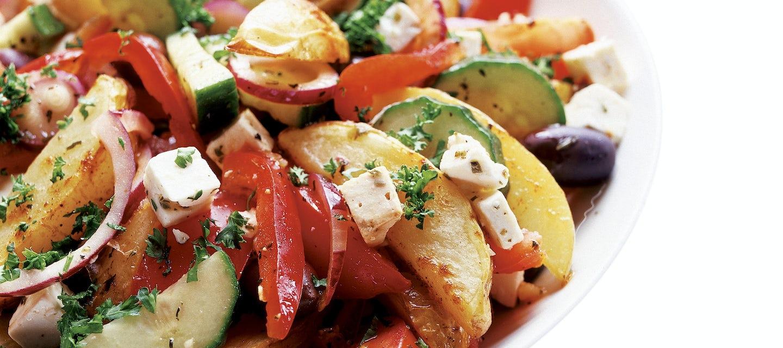 Perunasalaatti kreikkalaisittain