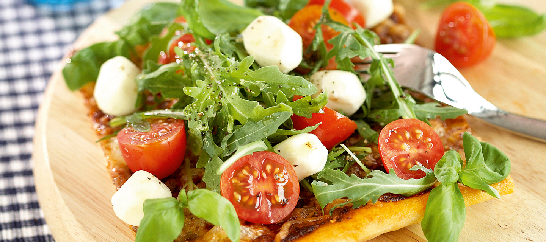 Mozzarella-rucolapizza