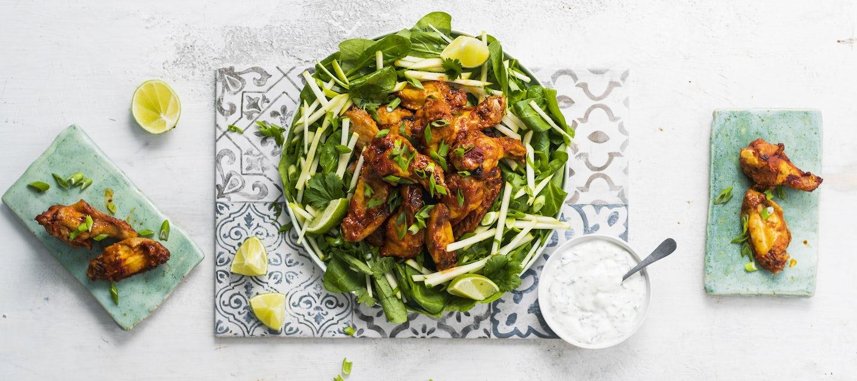 Uunivalmiit kanansiivet ja salaatti
